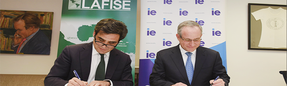 IE UNIVERSITY Y BANCO  LAFISE FIRMAN UN ACUERDO DE FINANCIACIÓN PARA ALUMNOS...